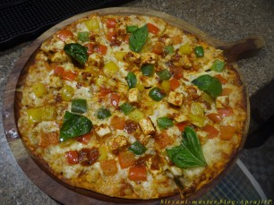 Paneer Chettinad Pizza